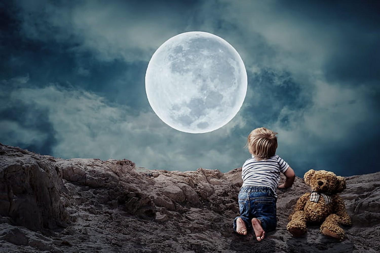 Kinek érdemes figyelni a Holdat?