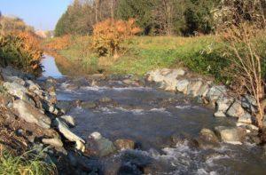 Mesterségesen létrehozott surrantó a Gyöngyös-patakon, Kőszegnél