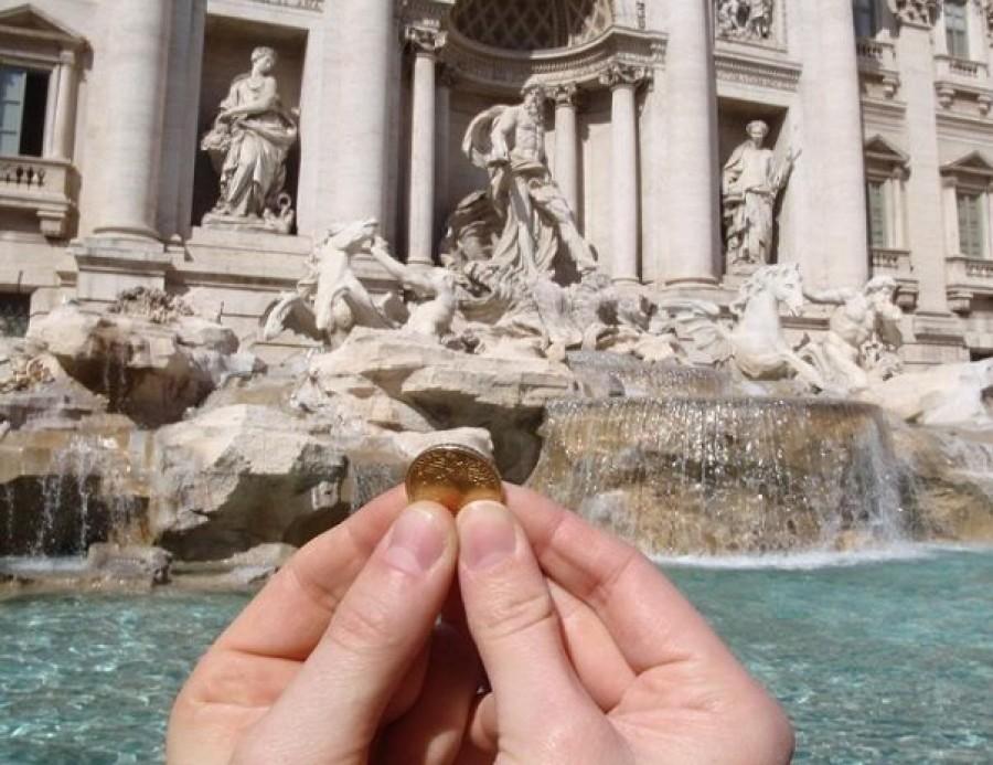 Egymásnak ugrott Róma városvezetése és az egyház a Tervi-kútba szórt pénzek miatt