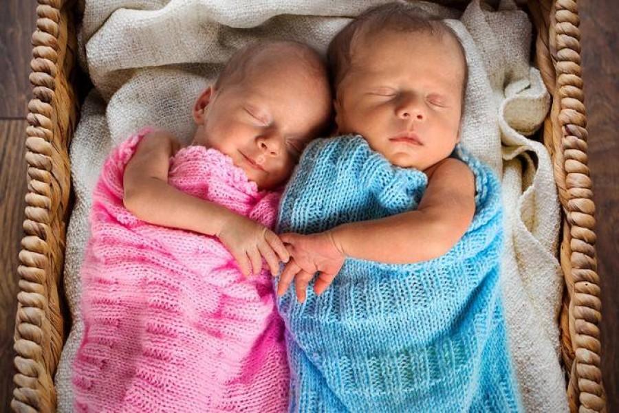 Nem egypetéjű, nem kétpetéjű, hanem másfél petéjű ikerpárok születtek!