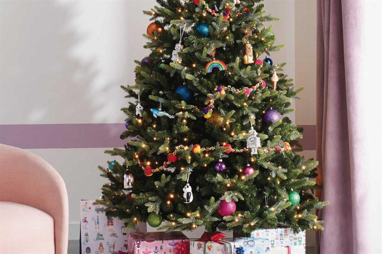Ha így teszel, sokáig szép lesz a karácsonyfád!