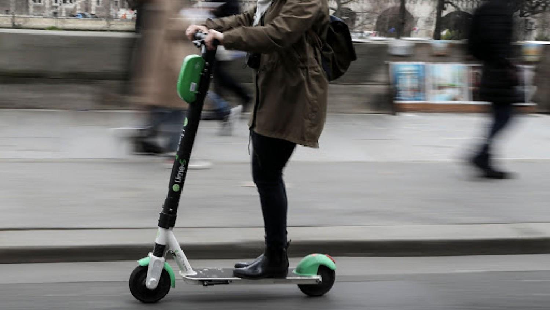 Reméljük nálunk is hamarosan sor kerül rá: Az elektromos rollerek használatát szabályozó rendeletet hoztak Romániában
