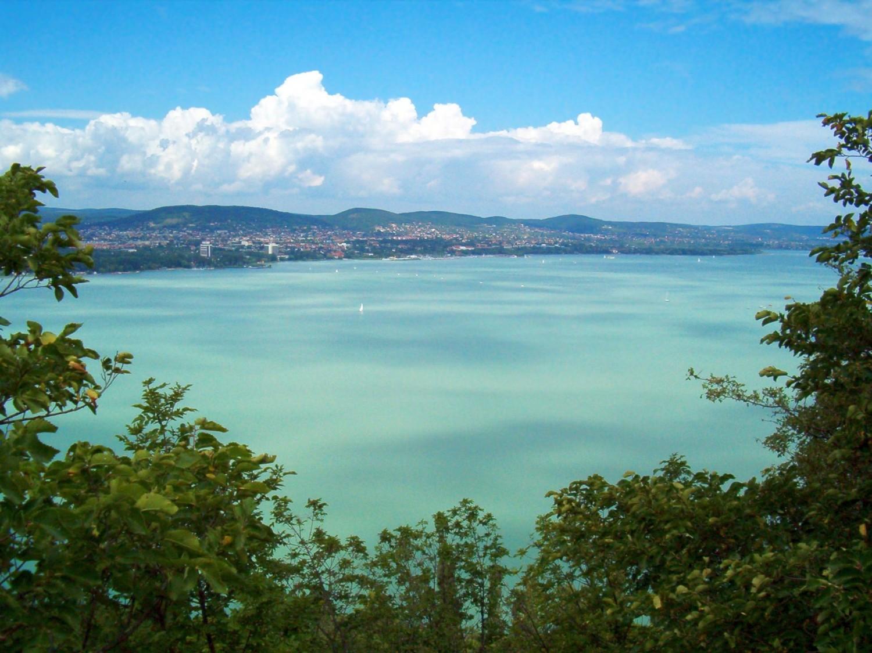 Ismét kotorni kellene a Balatont, de egyelőre se pénz, se hajó nincs a feladatra