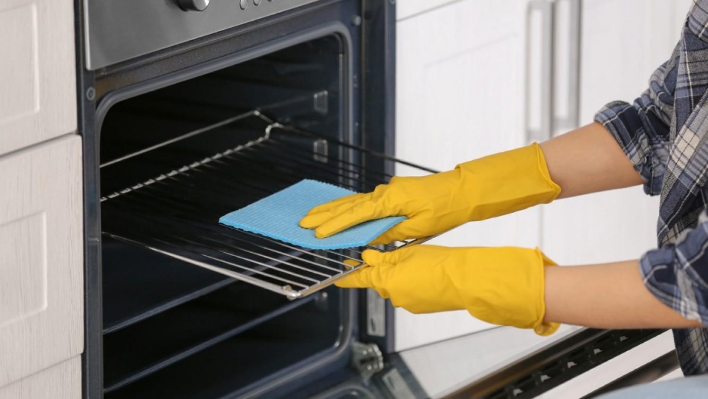 Két vegyszermentes módszer a sütő megtisztítására
