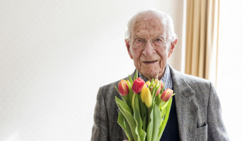 108 éves korában elhunyt  William Frankland,
