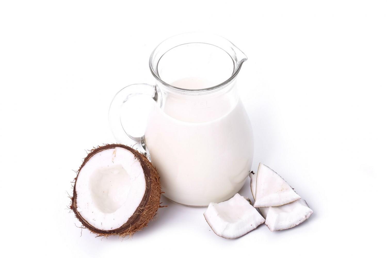 A kókusz a tejhelyettesítő italkészítés Alfája és Omegája