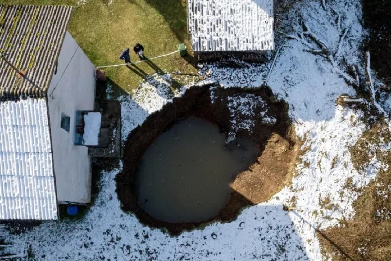 Veszélyes víznyelők jelentek meg a pusztító közép-horvátországi földrengés után