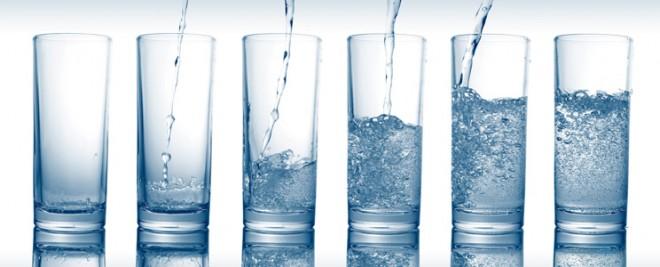 Tudod, mennyi vizet kellene minimálisan fogyasztanod naponta?