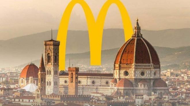 Háború dúl Firenze  és a McDonald's között