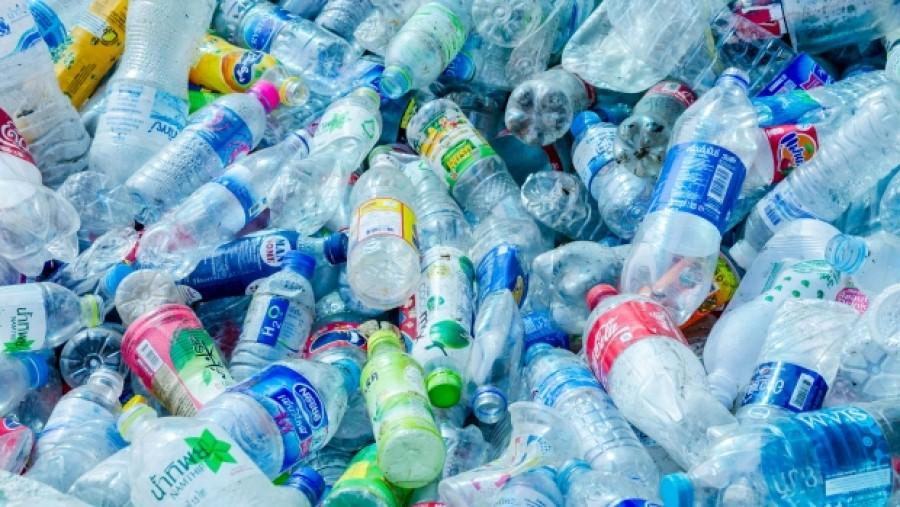 Egy mutáns enzim lehet a megoldás a műanyagpalackok okozta környezetszennyezés csökkentésére