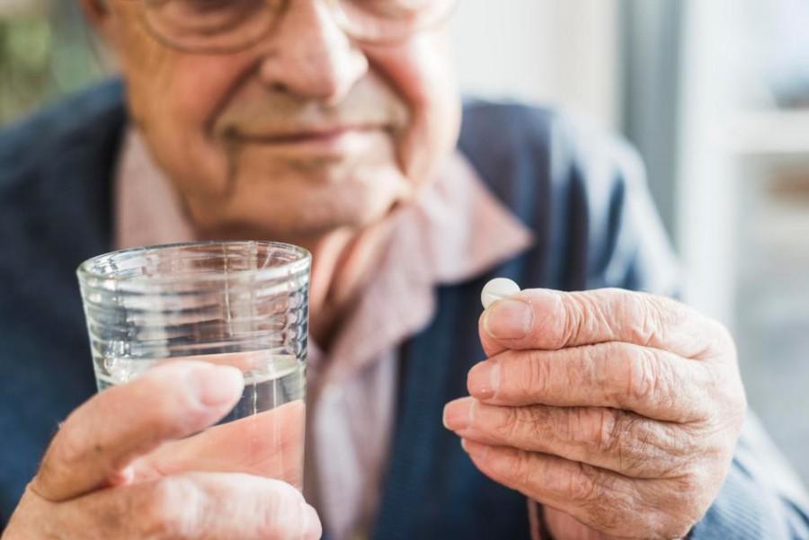 Figyelem! Az egészséges idős embereknek inkább árt, mint használ a naponta szedett aszpirin!