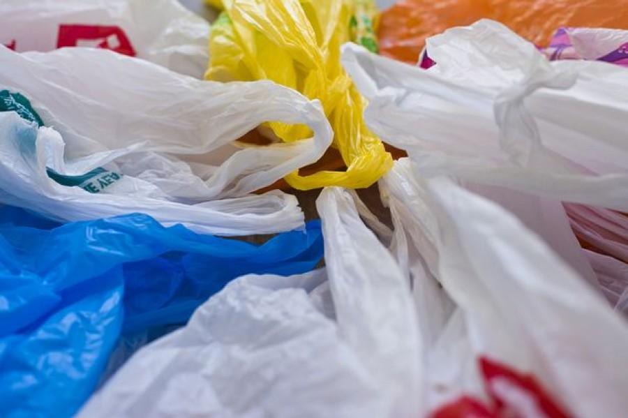 3 éven belül betiltanák Magyarországon is a műanyag szatyrokat!