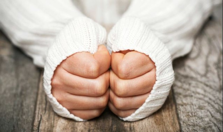 A hideg kéz és láb keringési problémákra utalhat